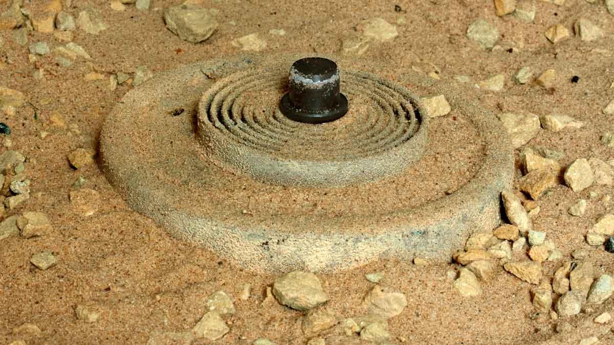 132 Landmine
