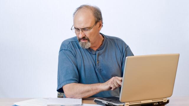 Man transcribing the VoC notes